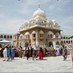 4882-Gurdwara-Punja-Sahib-Hassan-Abdal-Attock-Punjab-Pakistan-600x405 (1)